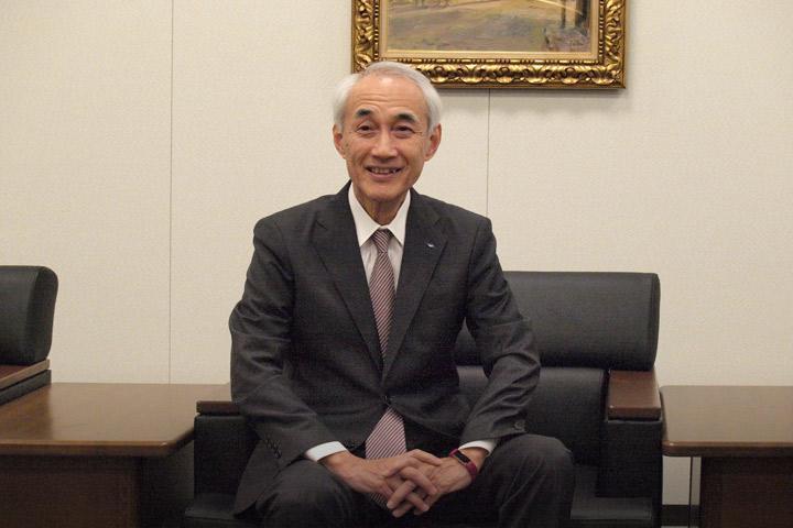 取材に応える田辺三菱製薬・三津家社長